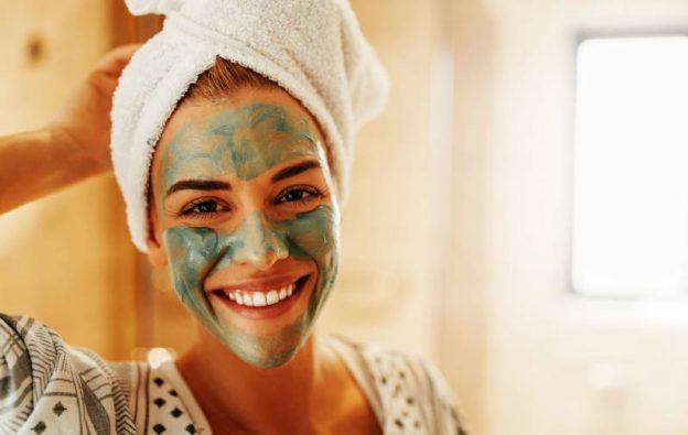 Козметични маски за лице на жени